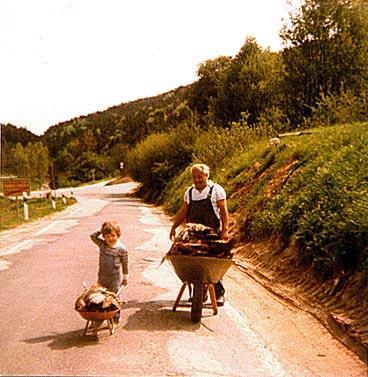 1981, Drieß Rudi und Enkel Marco, Ortsausgang Richtung Bad Bergzabern